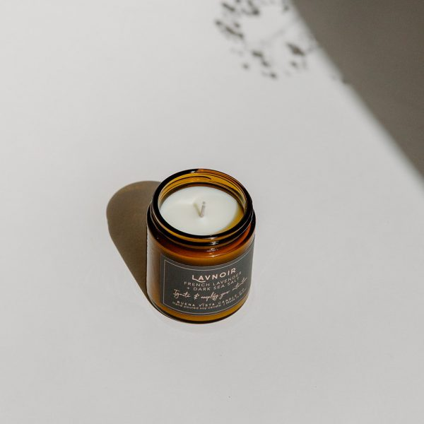 Lavnoir Soy Candle in Amber Luxe